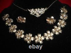 A Vintage Gorgeous Parure Sterling Plumeria Necklace, Earrings & Bracelet