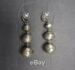 Vintage NAVAJO Graduated HAND STAMPED Sterling Silver NAVAJO PEARLS EARRINGS